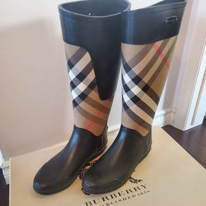 Authentic Burberry Clemence Rain Boots